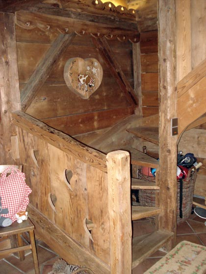 Gatto charpente chalets et menuiserie en haute savoie 74 for Amenagement interieur chalet